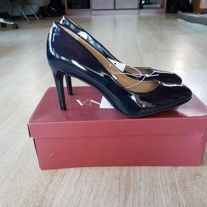 Merona navy blue heels